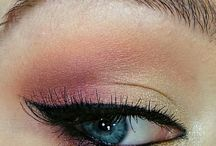 Make Up / by Elizabeth Chaves Arrieta