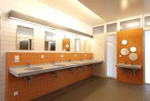 Camping / Waschtischanlagen für die sanitären Räumlichkeiten von Campingplätzen.
