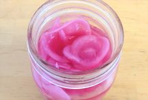 Pickled Veggies / Pickled vegetables using lacto-fermentation to promote a healthy gut. Paleo, AIP and BED diet friendly