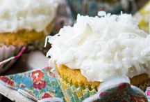 Cupcake lovers / Cupcakes for enthusiastic cupcake lovers like me. I have been eating them like every other day. Lets roll the best of it :)