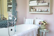 Bathrooms / by Allee Arnold