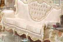 Muebles Victorianos / by Mimi Lopez