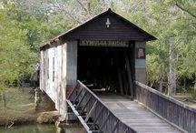 Covered Bridges of Alabama / Alabama has 11 remaining historical covered bridges.