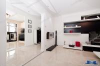 Apartamente 4 camere / Anunturi de vanzare sau inchiriere pentru apartamente din orasele Galati si Braila, adaugate de particulari si agentii imobiliare. Anunturile sunt unice, verificate si beneficiaza de prezentari detaliate realizate de fotograful nostru.
