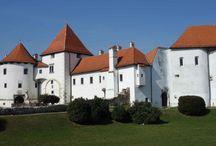Varaždin - Kroatien / Varazdin ist die alte Hauptstadt von Kroatien. Sie liegt im Nordwesten des Landes, etwa 80 Kilometer von Zagreb entfernt. Ihr Wahrzeichen ist die Burg.