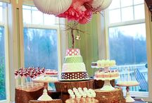 Enchanted forest theme  / The different sizes of the wood under the pretty cake stands