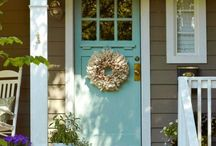 Outdoor Decor / Find inspiration for decorating and arranging your outdoor spaces!