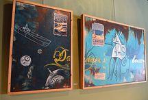 Kunst aan de muur / Café Boeien heeft kunst aan de muur.