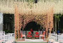 Mandap Magic - mandap decor ideas / Beautiful Mandap decor ideas from chuppahs to traditional vedis! Curated by Witty Vows.  More Inspiration on www.wittyvows.com