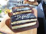 Patisserie at Tapeo / A very tasty sweets that will make you go starving  #tapeo #redfern #cafe #tapeoredfern #tapeocafe