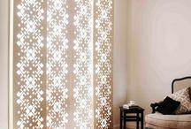 Flächenvorhänge / Panel Curtain / Flächenvorhänge sind neben dem klassischem Sonnenschutz ideal geeignet als Raumteiler oder aber auch als schnell zu wechselnder Hintergrund in Fotostudios.