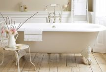 Bathroom Design - Traditional / Pre 20th Century Inspired