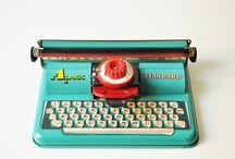 I ❤ RETRO / Lots of lovely retro goodies #retro #vintage #midcentury #midcenturymodern #1950sdecor #1950s #ercol #danishdesign
