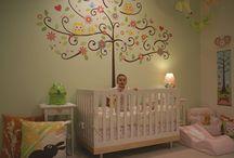 Sticker Scroll Tree / Sticker camera copii / Scroll Tree este un sticker gigant, perfect pentru decorarea camerei celor mici! Mai jos veti gasi exemple prin poze de cum poate fi utilizat
