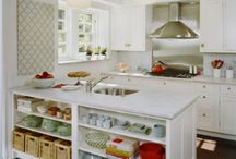 Kitchens / by Bronwyn McCarty