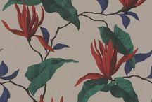 Sophie Charlotte von Rasch - Tapeten im elegantem Stil / Rasch lässt die alte Tapetenkollektion, die 1926 nach einer adeligen Sophie Charlotte bennant wurde, heute wieder neu aufleben. Naturmotive und Ornamente im Barock-Stil verleihen den Wänden einen neuen Glanz.