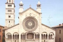 Il libro di pietra / Modena, il Duomo: la Casa di San Geminiano, il Libro di Pietra. Capolavoro del Romanico eretto nel 1099. Opera dell'architetto Lanfranco e dello scultore Wiligelmo. Dichiarato Patrimonio dell'Umanità, nel 1997, dall'UNESCO.