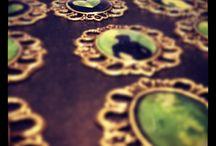 Alvhilda / Det som kan härledas till Alvhilda. Smycken, text, bilder.