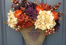 wreaths / by Jennifer Dessing