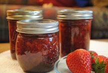Canning / Delicious jams, jellies, pickles & chutneys to put up.