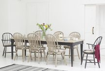 Kitchen tables / We choose our favourite casual kitchen tables, perfect for the whole family to relax at.