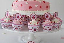 cupcakes / by Miranda Rusinek
