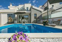 Kroatien - Moderne Neubauvilla - Kastelir / Villa in Topausstattung. Geräumiges Haus mit Dachterrasse, Pool und  400 m² Garten.
