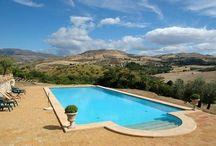 Sicilie, Zuid-Italie / Sfeervolle vakantie accommodatie op Sicilie in Zuid-Italie. / by Italia di Charme