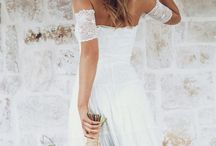 Wedding | Brides / Inspiration and beautiful pictures for the upcoming bride to get some ideas about her bridal dress.