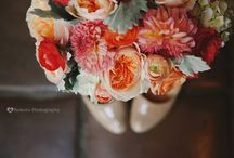 Peach and Coral wedding Inspiration / Wedding palate with Peach and corals - Inspiration from all over Pinterest!