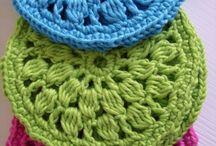 Trico/ crochê / bordados