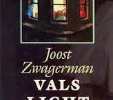 Boekomslagen (geïnspireerd door of) met werk van Edward Hopper. / Het werk van de beroemde Amerikaanse schilder is wereldwijd veel gebruikt op boekomslagen.