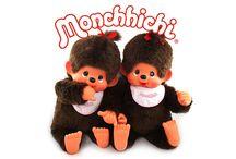 Monchhichi / Na počátku 70. let chtěl pan Sekiguchi vytvořit výrobek, který měl být vyjádřením krásy a lásky. Tak se zrodil nápad vytvořit Monchhichiho a brzy byly připraveny prototypy. Na konci roku 1973 byl dokončen vývoj a od té doby si Monchhichiho zamilovaly miliony dětí a dospělých.