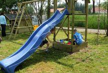 Spielturm und Rutsche / #Spieltürme von Gartenpirat ... und passenden #Wellenrutschen in vielen Farben