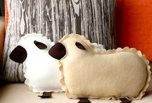 I love sheep / by Nicole MacDougall