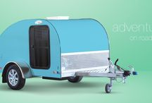 Escape Mini-Caravan / Mini-caravan Escape is ideal for the adrenalin and adventure lovers. You will find out that this caravan with sporty design is a great companion on your adventure trips. In addition to a large sleeping compartment and a lot of storage space, the caravan also contains a small kitchen, 230/12 V converter and 12 V battery, which make it a great solution for longer stays in the nature. So you can freely go beyond everyday life and fully enjoy the adventure and freedom.
