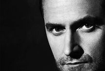 RICHARD ALWAYS CLASSY IN B&W / colour not required!
