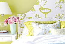 DIY Wallpaper Crafts / Get inspired by these Do-It-Yourself wallpaper ideas!