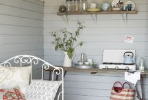 BEACH HUT DECOR