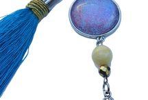 Bizuteria Sensitive / Naszyjniki przeznaczone dla kobiet o wrazliwej skórze, wisiory i medaliony zawieszone na sznurkach, rzemykach i stali chirurgicznej