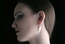 Earrings / Earrings out of the ordinary, made by Jewellerydesigner Ailin Roelvaag.