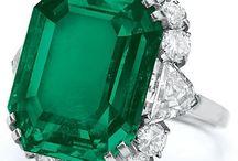Emerald ring designs