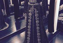 Baju pengantin.