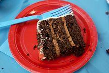 Eat: Dessert / by Carolyn Smellie
