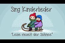 Toddler sing