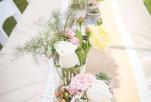 Using Colour To Create A Mood / How using different colours on your wedding table can create a different feel for your guests