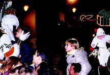 Navidad en Alcoy / La llegada de los Reyes Magos es la cita más esperada por niños y niñas a lo largo de todo el año. Una Fiesta de Interés Turístico Nacional y declarada Bien Inmaterial de Interés Cultural, que reúne cada año a cientos de visitantes que quieren vivir en directo el mensaje y la emoción de esta centenaria Cabalgata que lleva celebrándose de manera continuada desde 1885.