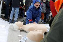 Kane og Noah lærer førstehjelp