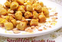 Struffoli / Kitchen Wisdom Gluten Free Struffoli Recipe http://kitchenwisdomglutenfree.com/2015/12/02/struffoli-gluten-free-forget-what-you-know-about-wheatc-2014/