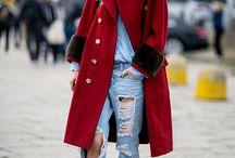 Military Coats and jackets / Se lleva el estilo militar clásico ¡toma la calle! http://chezagnes.blogspot.com/2016/11/como-combinar-tu-chaqueta-militar.html #military #militar #fashion #moda #tendencias